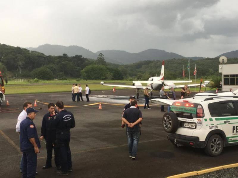 Hanga - Tiroteio em hangar do aeroporto de Santa Catarina deixa ao menos 3 pessoas baleadas - (Veja ao Vídeo).