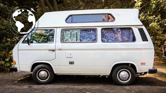 milionario doou fortuna viaja mundo1 696x392 - Milionário brasileiro doa fortuna, viaja o mundo e vive feliz em uma van