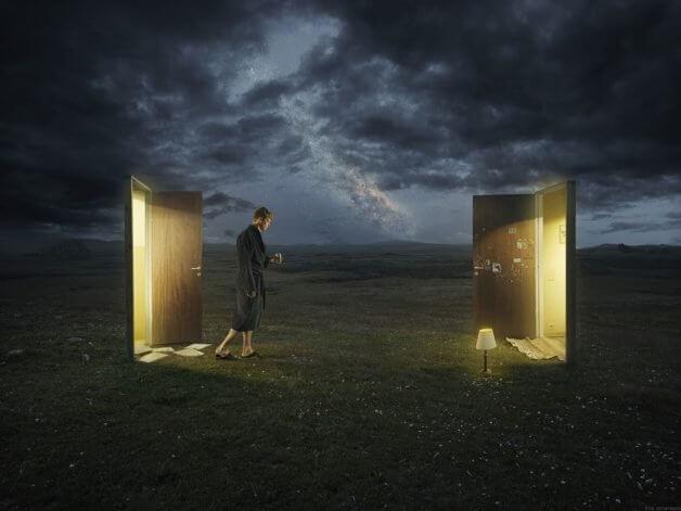 dreamwalker e1496265322421 10 - Fotógrafo faz uma obra de arte incrível com uma sequência de fotos, simulando a lua cheia sendo trocada