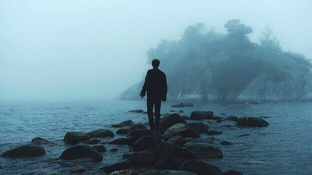 41 - A pessoa sensível é de poucas palavras, mas seu interior fala a cada momento
