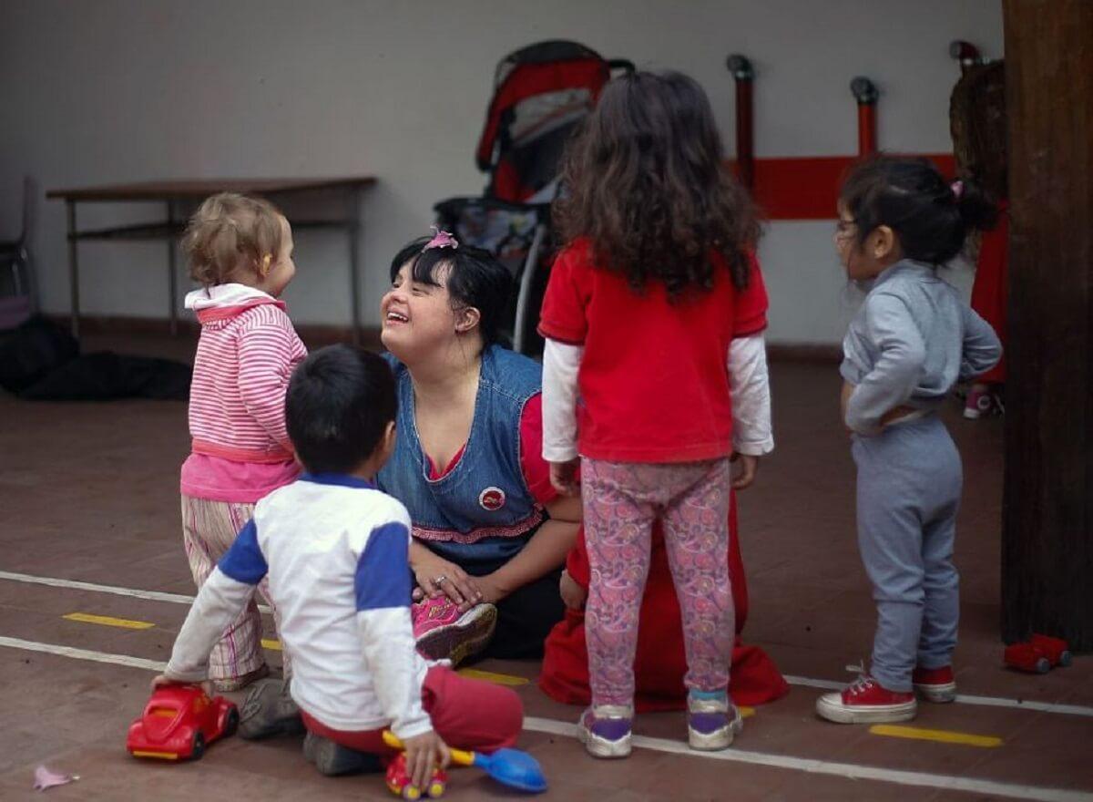 down teacher 3 - Conheça Noelia, a primeira professora com síndrome de Down que superou preconceitos e conquistou a aprovação de todos os alunos