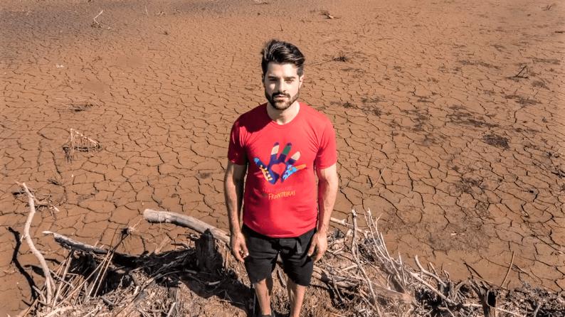 Terra Seca - DJ Alok faz a diferença no sertão da Bahia ajudando pessoas carentes