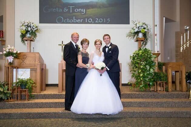 Valsa 4 - Noiva sobrevive à leucemia graças a um doador e dança valsa de casamento com ele