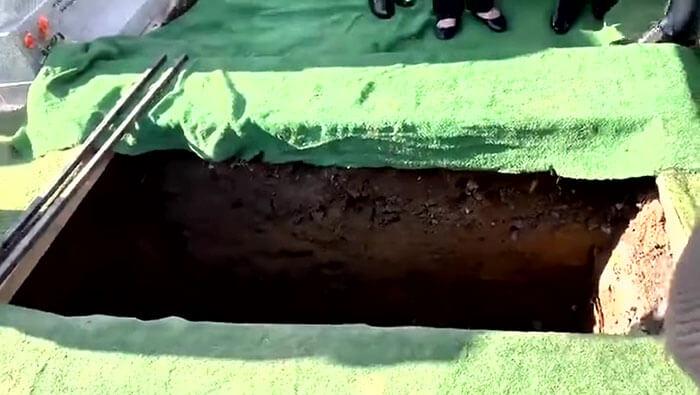 irish man funeral funny recording 2 - Um irlandês brincalhão grava uma mensagem para tocar em seu funeral, ao ouvi-la os enlutados choram de rir