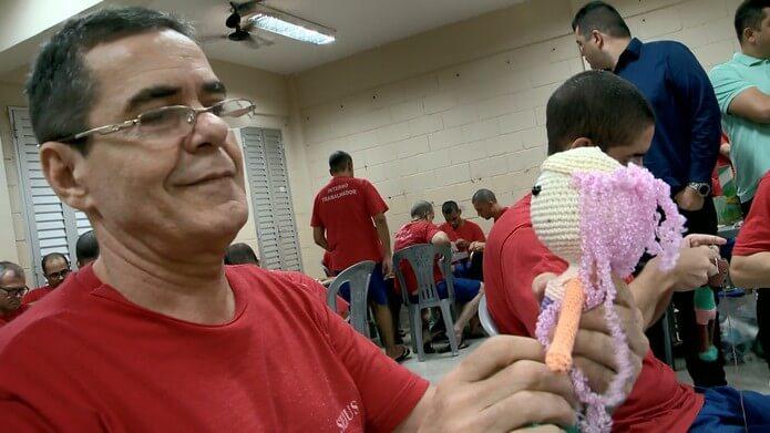 2 1 - Presos produzem bonecas para crianças com câncer no ES