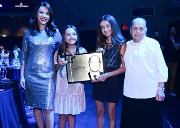 2 - Boechat foi homenageado no Prêmio Comunique-se e família não aguentou de tanta emoção