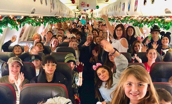 Fundação Gary Sinise2 - Ator Gary Sinise levou totalmente de graça mais de 1000 crianças filhos de veteranos de guerra para a Disney