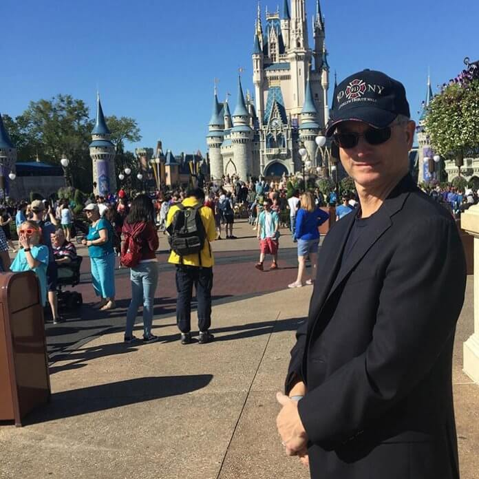 Fundação Gary Sinise3 - Ator Gary Sinise levou totalmente de graça mais de 1000 crianças filhos de veteranos de guerra para a Disney
