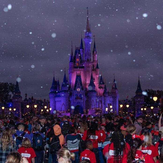 Fundação Gary Sinise8 - Ator Gary Sinise levou totalmente de graça mais de 1000 crianças filhos de veteranos de guerra para a Disney