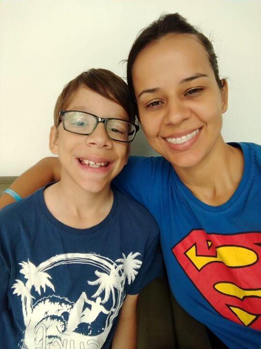 Guilherme e Duda - Menino autista sonhava em ser um youtuber e ao ganhar os 20 primeiros inscritos se emocionou muito