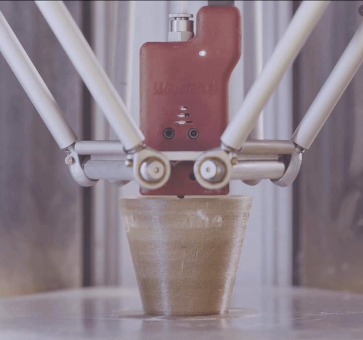 Impressão do copo - Técnica Inovadora permite máquina fazer suco de laranja e imprimir os copos imediatamente com a própria casca da laranja