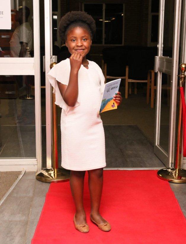 Nkamankeng4 - Aos 7 anos de idade ela passou a integrar a lista dos melhores escritores do mundo
