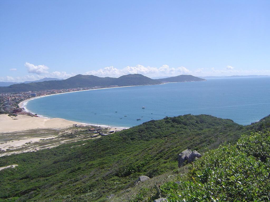 Praia dos Ingleses Florianópolis - Projeto leva cadeirantes para divertirem-se no mar em praias de Florianópolis
