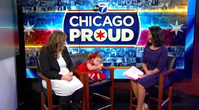 SD 5 - Menininha de 4 anos com síndrome de Down torna-se modelo de campanha de Natal