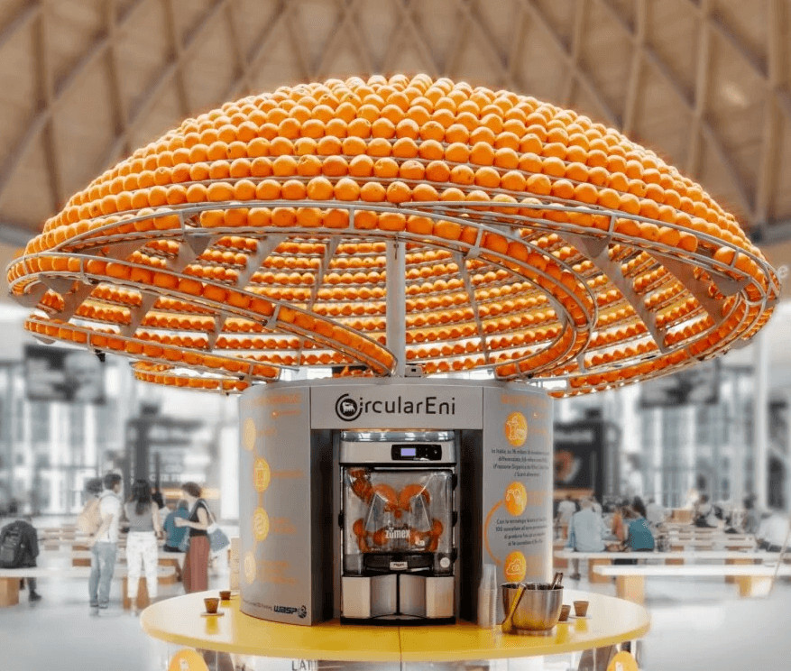 máquina suco de laranja 1 - Técnica Inovadora permite máquina fazer suco de laranja e imprimir os copos imediatamente com a própria casca da laranja