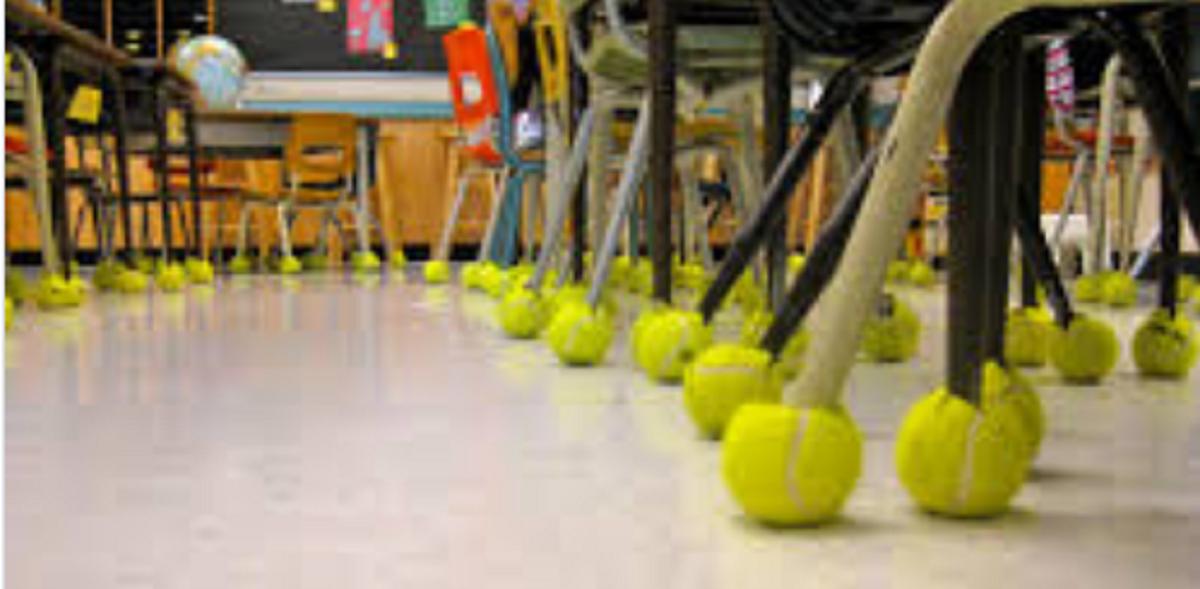 bolinhas de tênis antirruido 2 - Escola colocou bolas de tênis nos pés das cadeiras para amenizar o ruído que atormentava criança autista