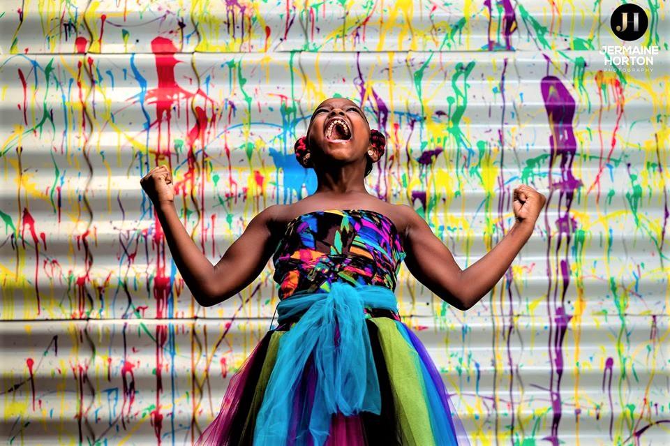 iphoto6 3 - Menina de 8 anos é proibida de participar das fotos da escola e um fotógrafo lhe dá de presente um ensaio exclusivo