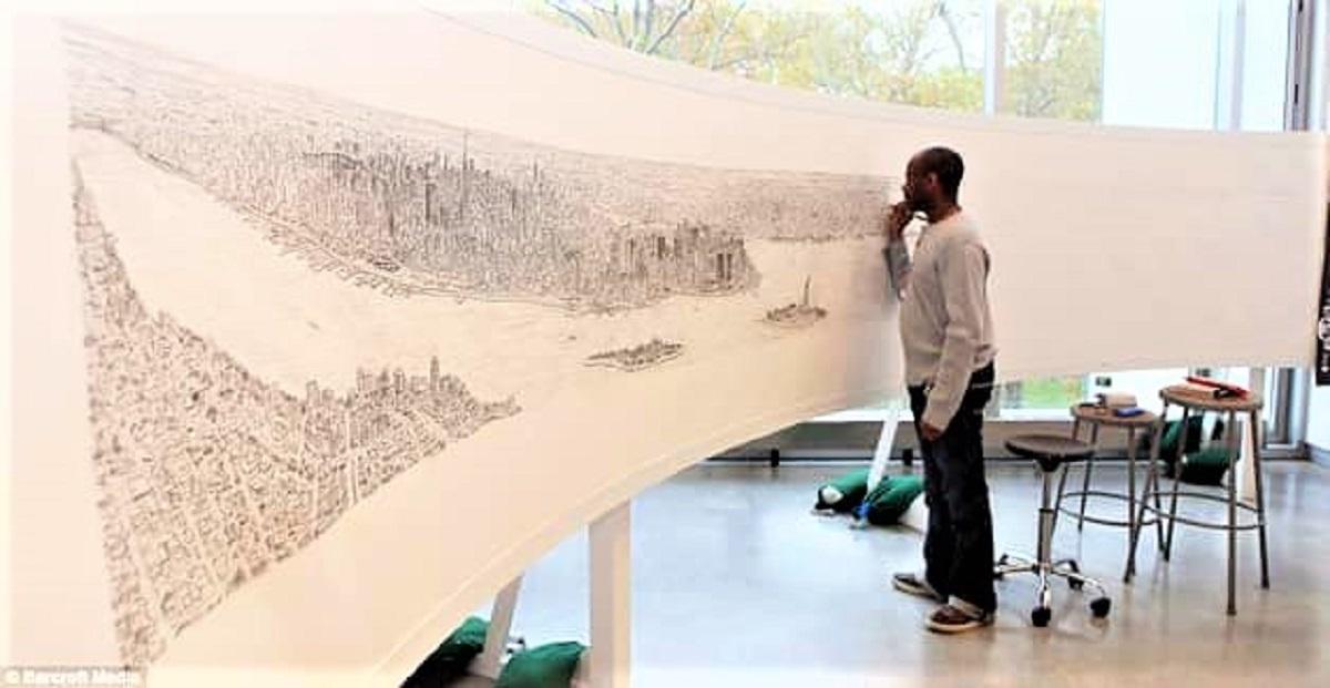 man camera7a 1 - Após sobrevoar a cidade por 20 minutos o rapaz autista memorizou e desenhou NY