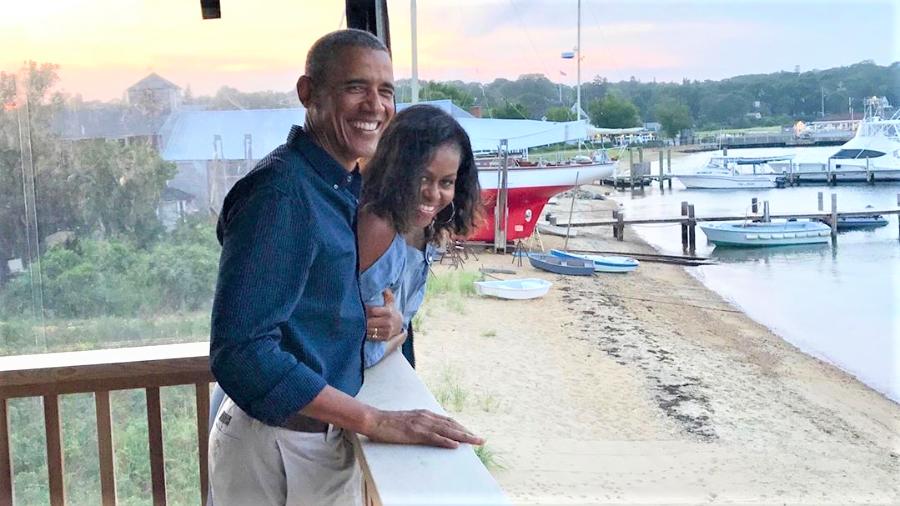 """michelle e barack obama 1575380436195 v2 900x506 - Michele Obama diz: """"Escolha se casar com alguém que você respeita""""."""