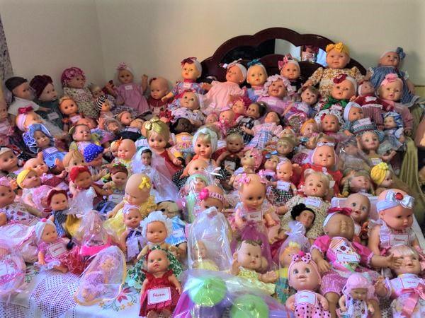moradora de cariacica transforma lixo em bonecas novas para doar 140898 article - Costureira restaura bonecas do lixo e transforma Natal de crianças