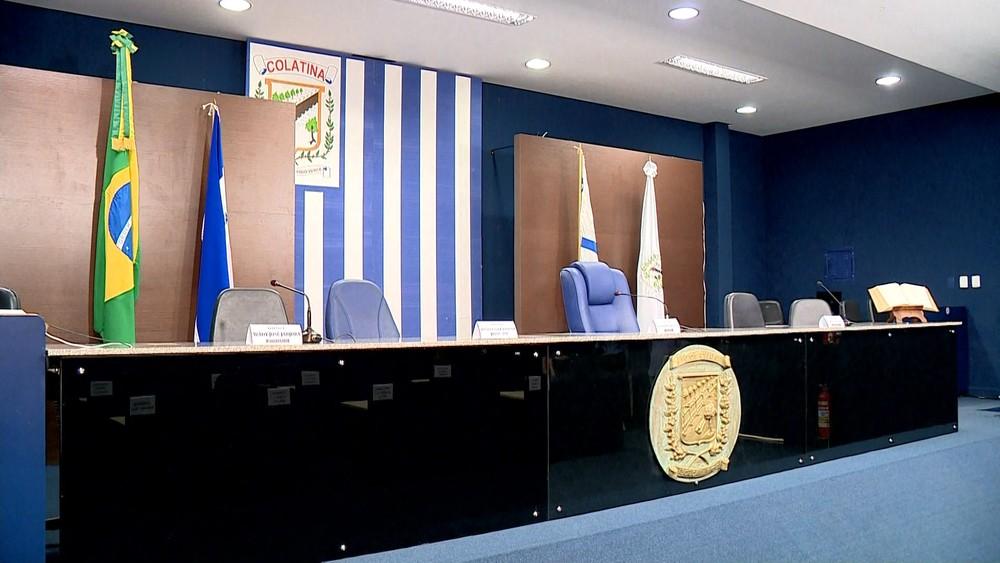veto prefeito colatina 28 11 2019 .mov snapshot 01.44 2019.11.28 10.24.43  - Sérgio Meneguelli, prefeito de Colatina, BARROU aumento de salários do Legislativo e do Executivo