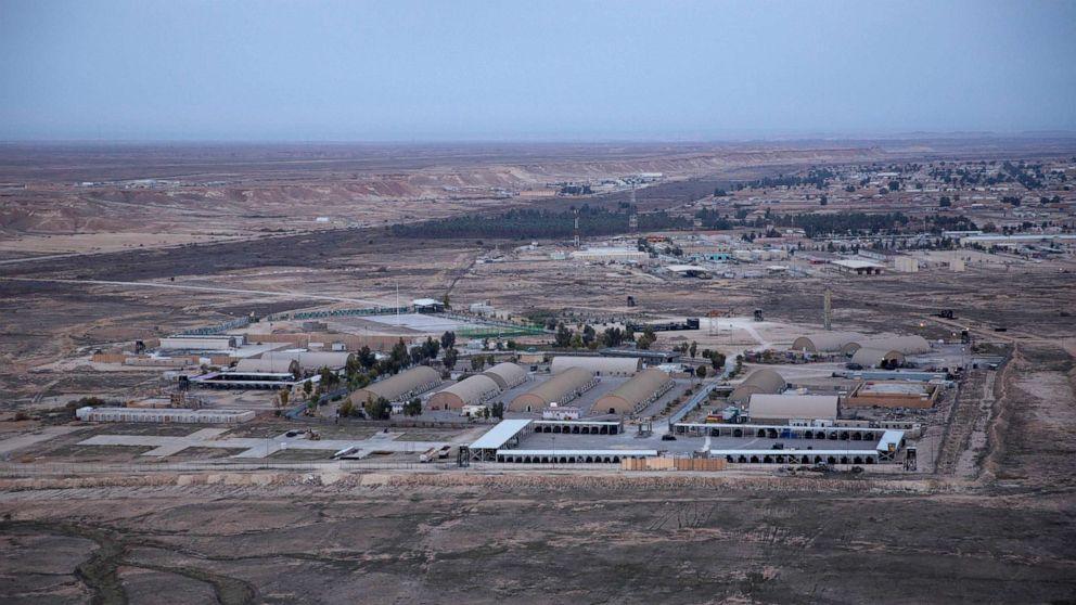 anbar al assad air base iraq ap jef 200107 hpMain 16x9 992 - Irã lança mísseis em instalações militares dos EUA no Iraque: oficial dos EUA