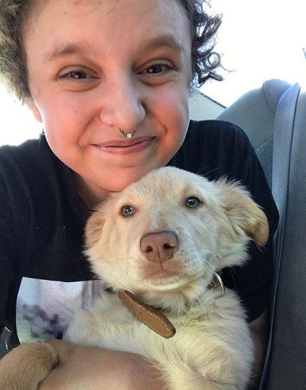hayley marley 1 - Cachorro acalma amorosamente jovem autista que se debatia numa crise de pânico