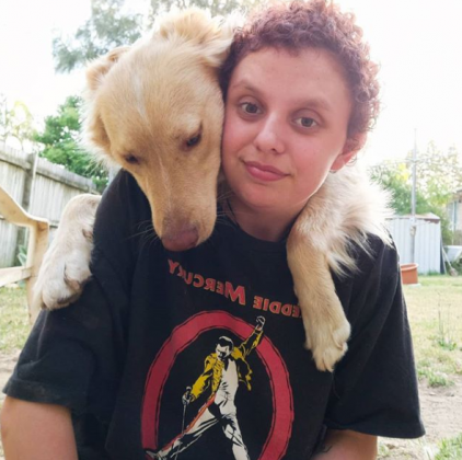 hayley marley 2 - Cachorro acalma amorosamente jovem autista que se debatia numa crise de pânico