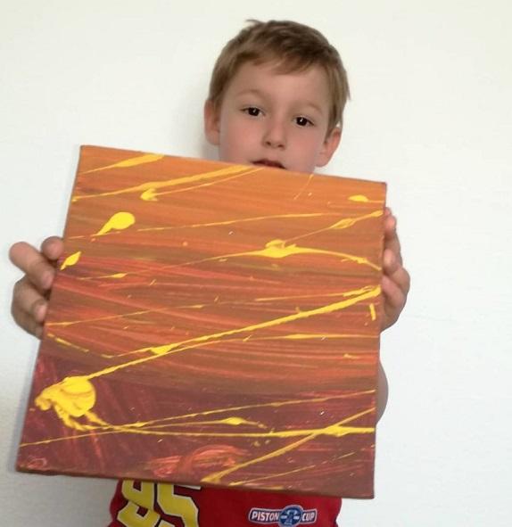 """18 1 - Pai postou com orgulho: """"Meu filho tem Autismo e se expressa através da pintura, e eis aqui algumas obras de arte dele""""."""