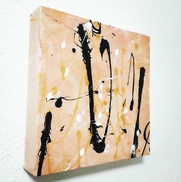 """6 4 - Pai postou com orgulho: """"Meu filho tem Autismo e se expressa através da pintura, e eis aqui algumas obras de arte dele""""."""