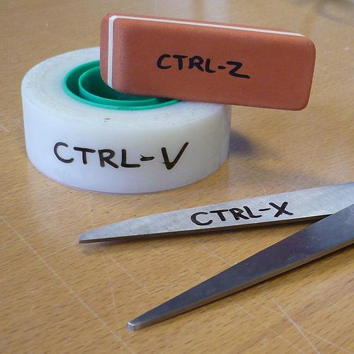 """CtrlV CtrlX Ctrl Z - Faleceu o cientista da computação que inventou os comandos """"copiar"""", """"cortar"""" e """"colar""""."""