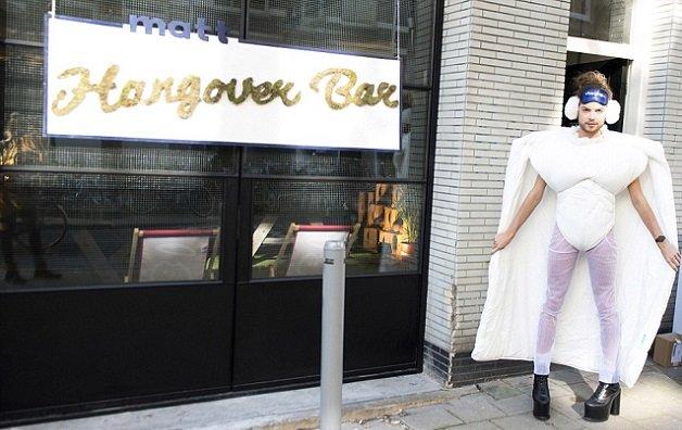 hangover4 - Bar especialista em curar ressaca foi inaugurado em Amsterdam