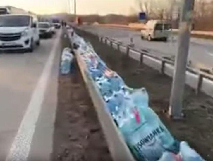"""Captura de Pantalla 2020 03 25 a las 11.47.08 - Em ato digno de aplausos, população deixa comida na estrada para os caminhoneiros: """"solidariedade na crise"""""""