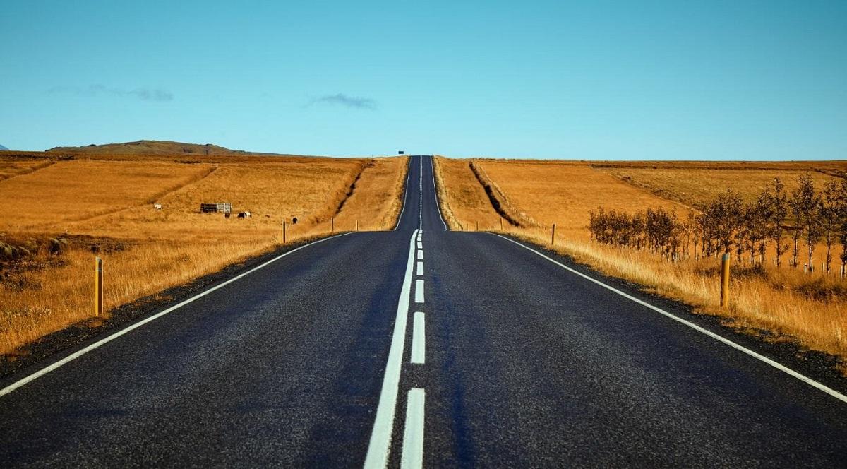 b 1 - Primeira estrada construída com resíduos de plástico é inaugurada nos EUA