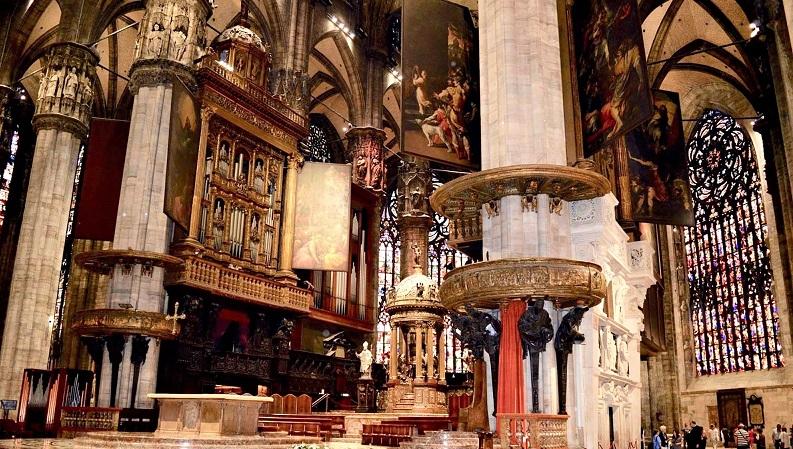 Interior da Catedral de Milão 1 - Neste domingo de Páscoa: LIVE de Andrea Bocelli será transmitida da catedral de Milão