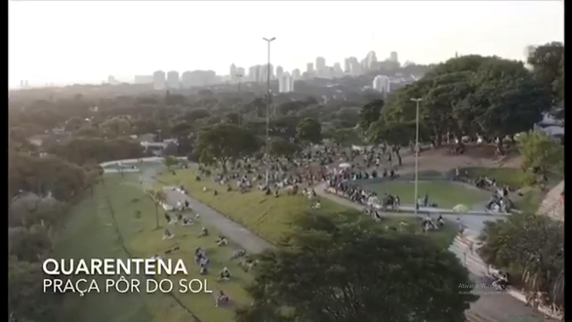 Praça Por do Sol dia 05 de abril - Quarentena: Drone regista imagens da praça do Pôr do Sol na capital de SP e aparece LOTADA DE PESSOAS
