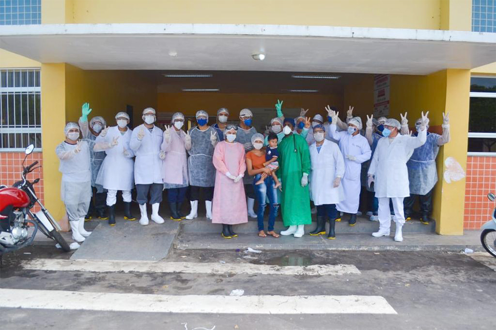 coronavirus bebe1 - Boa Notícia! Criança de 1 anos e 4 meses foi curado do Covid-19 e é aplaudido como grande VITORIOSO pela equipe médica