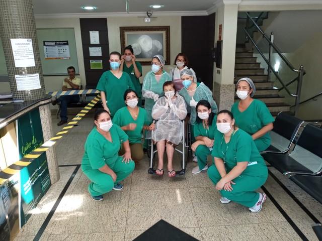 """hospital - Boa Notícia!  Aos 91 anos contraiu o coronavírus e foi CURADA após 10 dias internada: """"Estou Maravilhosa"""""""