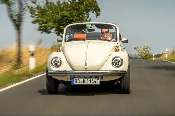 volkswagen e beetle concept 2019 1600 11 - Volkswagem volta a lançar o Fusca, na versão motor elétrico