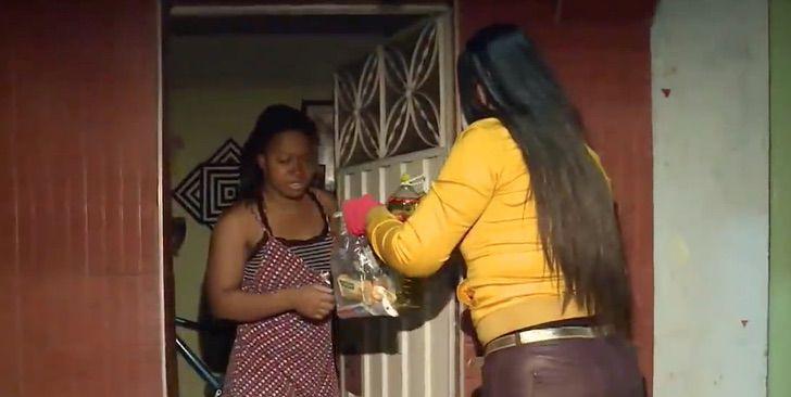 2 1 - Dona de prédio residencial não cobra aluguel dos inquilinos e ainda lhes fornece cesta básica na quarentena.
