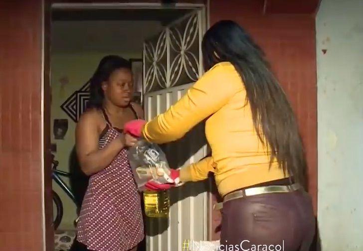 4 1 - Dona de prédio residencial não cobra aluguel dos inquilinos e ainda lhes fornece cesta básica na quarentena.