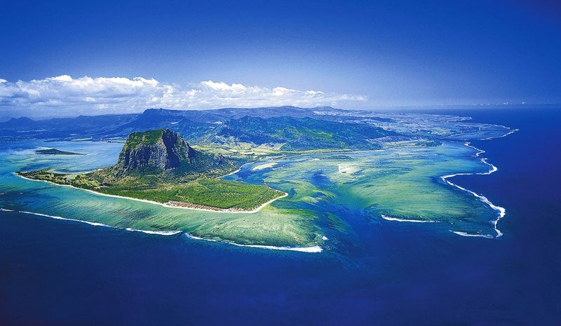 """underwater waterfall mauritius 15 - """"Cachoeira subaquática"""" conheça esta beleza impressionante da Ilha Maurícia"""