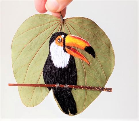 Captura de Tela 325 - Aves brasileiras bordadas em folhas secas, aprecie esta arte!