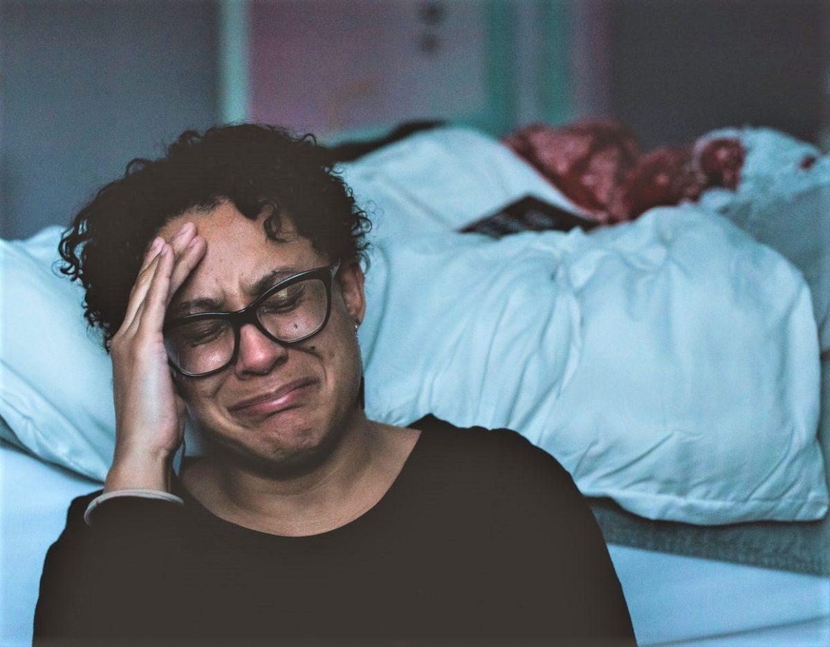 Claudia wolf scaled - As causas emocionais de nosso medo da COVID-19