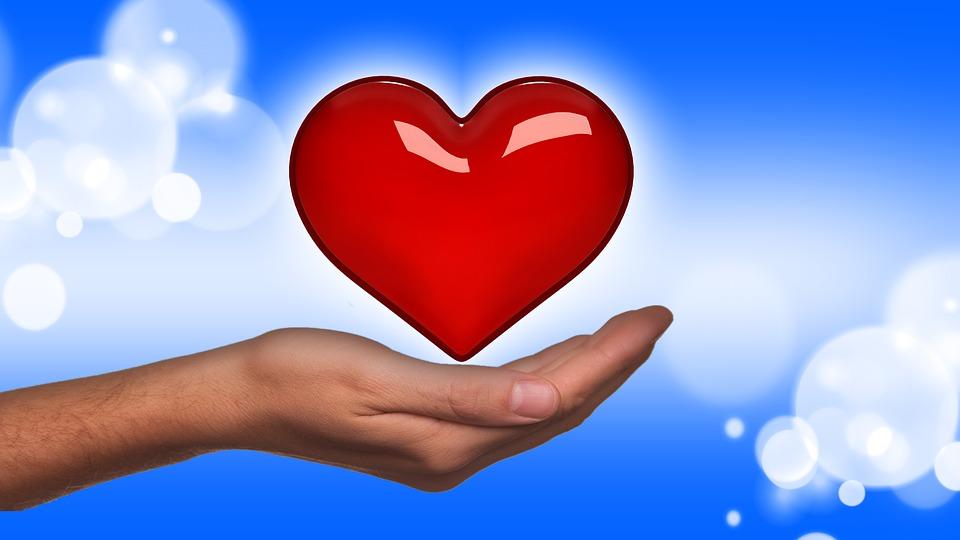 Coração Pixabay - Todos precisamos de alguém que cuide de nós
