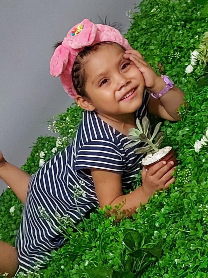 116909893 169313574672483 4608998449430444594 o - Uma menina de 3 anos vende plantas para pagar seu tratamento de leucemia. Cada venda é uma alegria