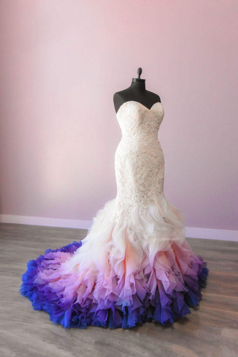 """13 scaled - Artista inicia um negócio de vestidos de noiva coloridos depois que seu vestido de """" fogo"""" viralizou na internet"""