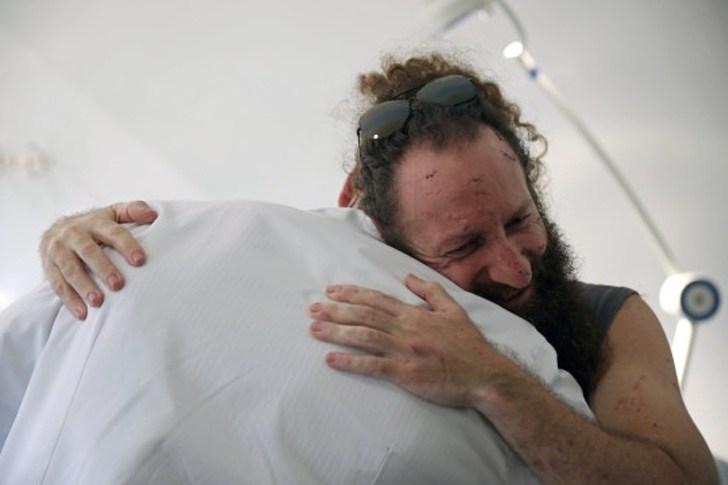 2 2 - Médico oferece cirurgias reconstrutivas gratuitas para vítimas de Beirute. Uma ajuda após a explosão