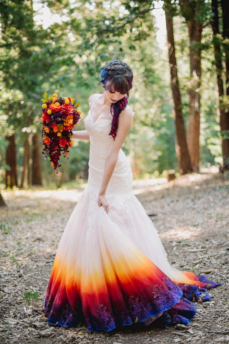 """5 scaled - Artista inicia um negócio de vestidos de noiva coloridos depois que seu vestido de """" fogo"""" viralizou na internet"""