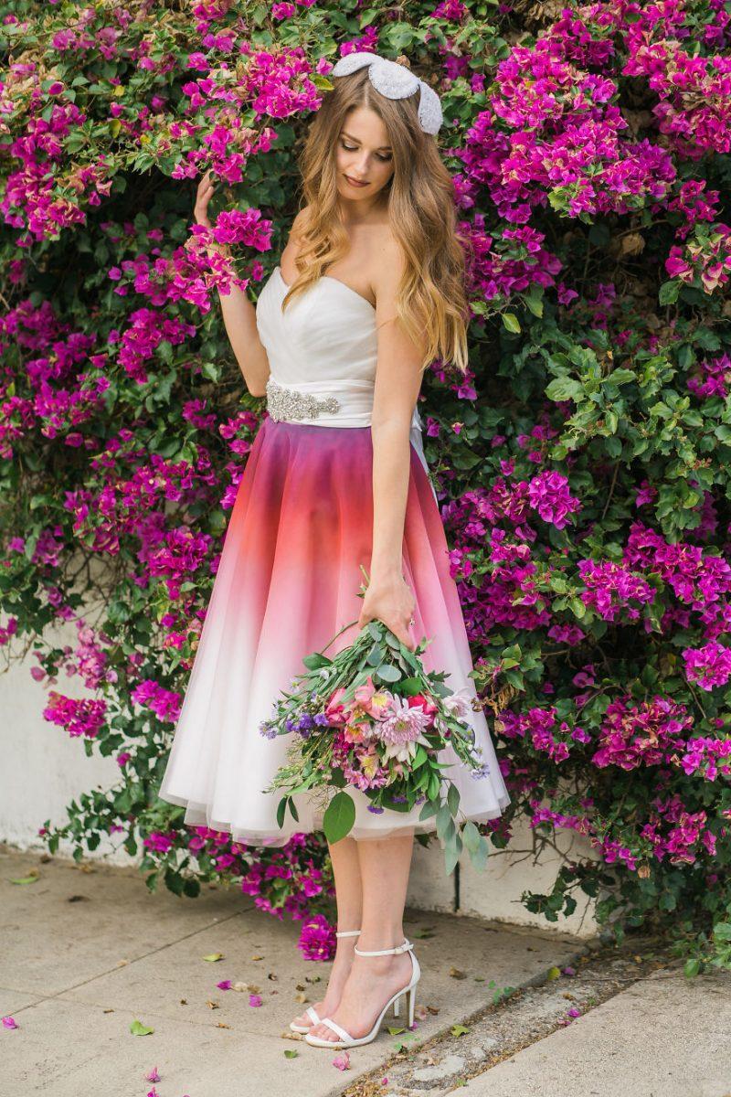 """9 scaled - Artista inicia um negócio de vestidos de noiva coloridos depois que seu vestido de """" fogo"""" viralizou na internet"""